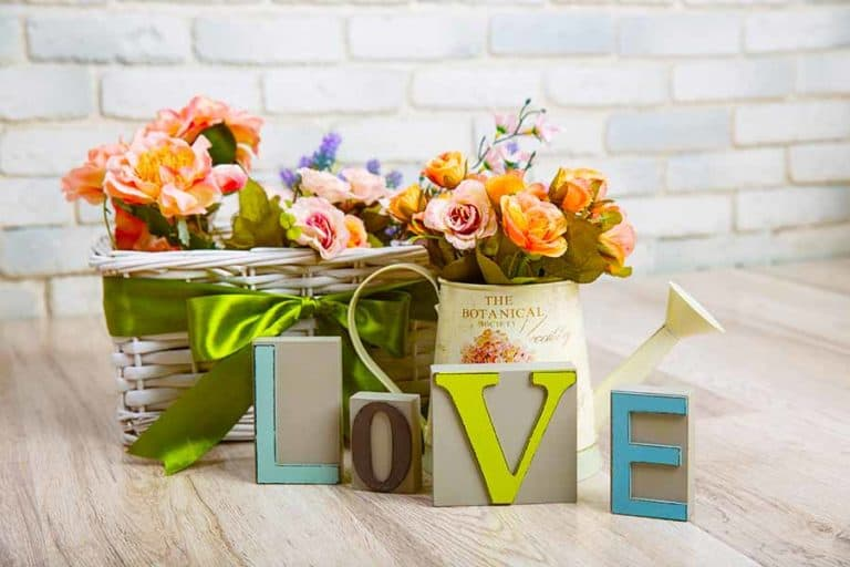 15 Surefire Themes & Items That Moms Would Love in a Gift Basket for The Upcoming Holiday Season